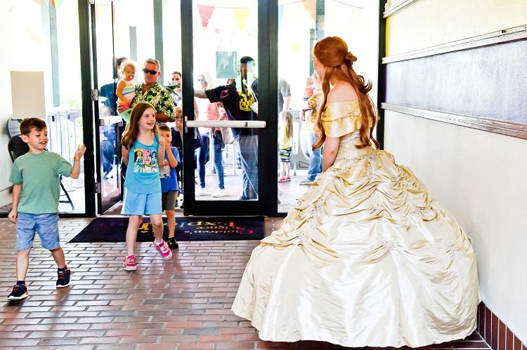 kids with princess